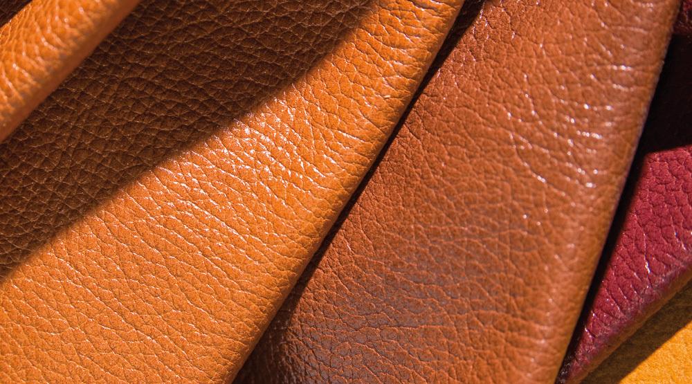Заменитель кожи дерматин: от общего описания свойств до правил ухода за тканью