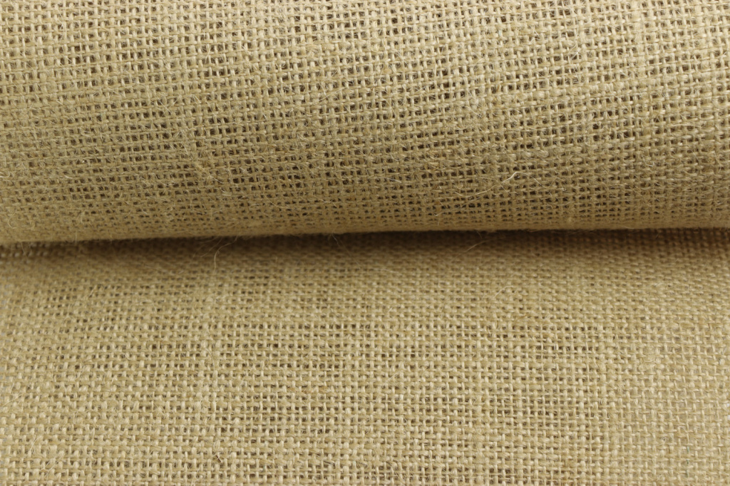 Каковы свойства и характеристики джутовой ткани?