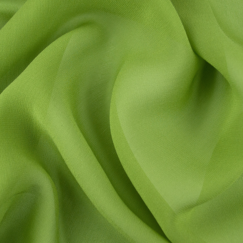 Какими свойствами известен креп-жоржет? Что из него шьют и как ухаживать за такими вещами?