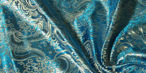 Каковы характеристики роскошной ткани парчи и как за ней правильно ухаживать?