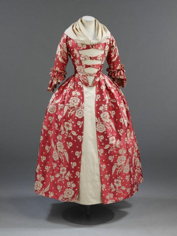 Платье гродетур