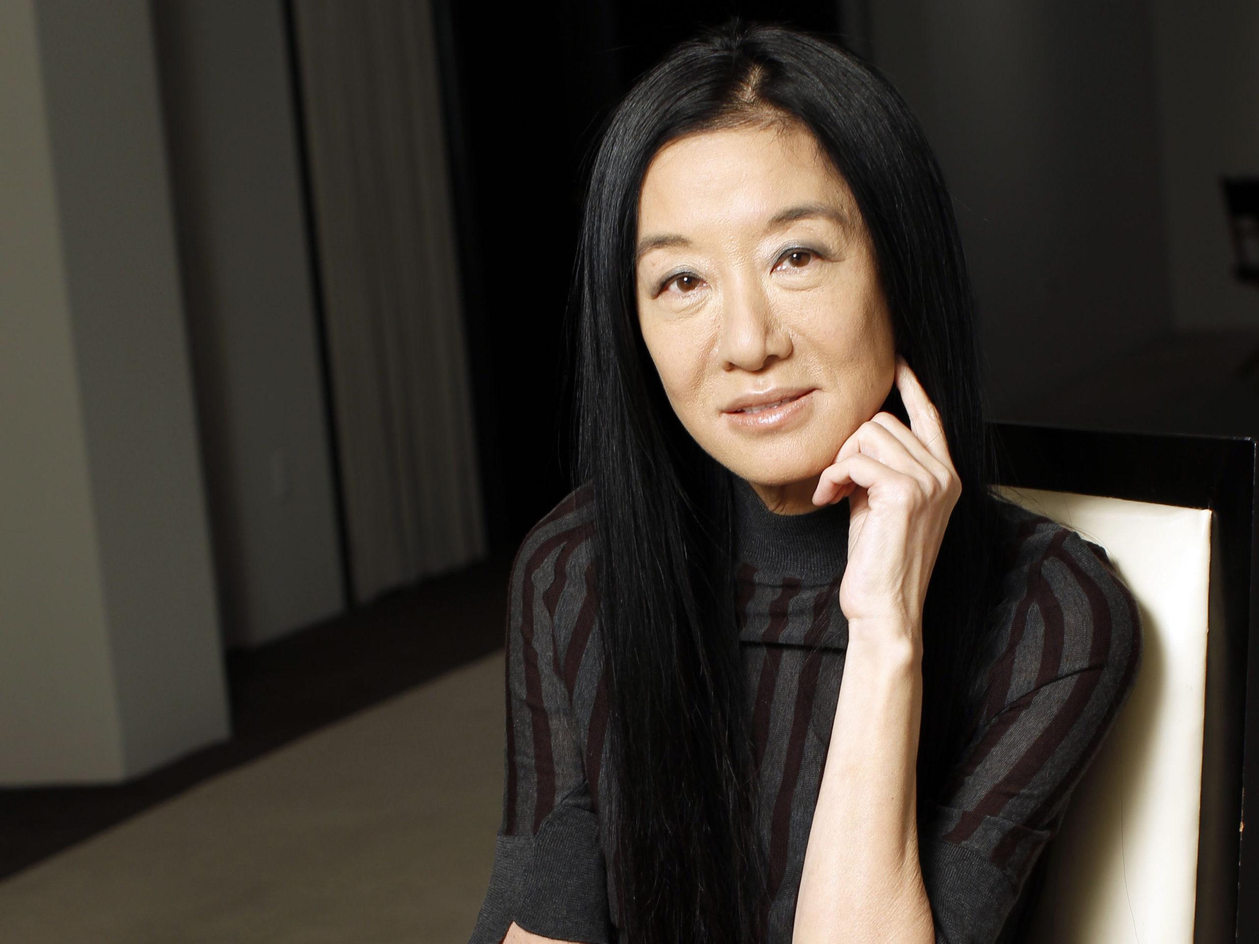 Что известно о модельере Вере Элен Вонг? Какова ее биография и основные факты о жизни?